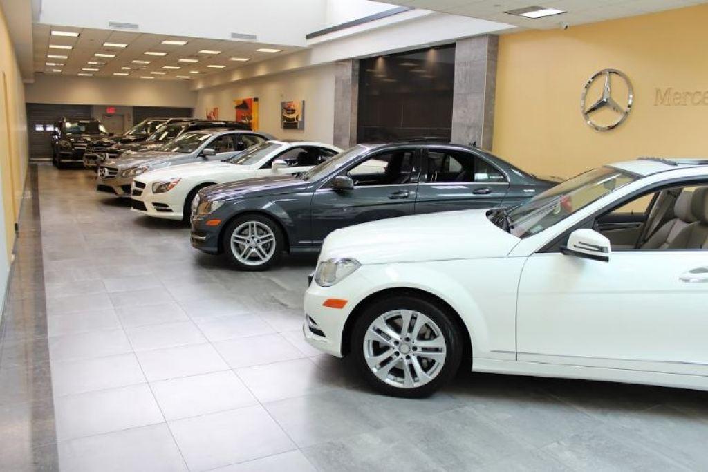 Helms bros inc mercedes benz dealer bayside for Mercedes benz manhattan inc