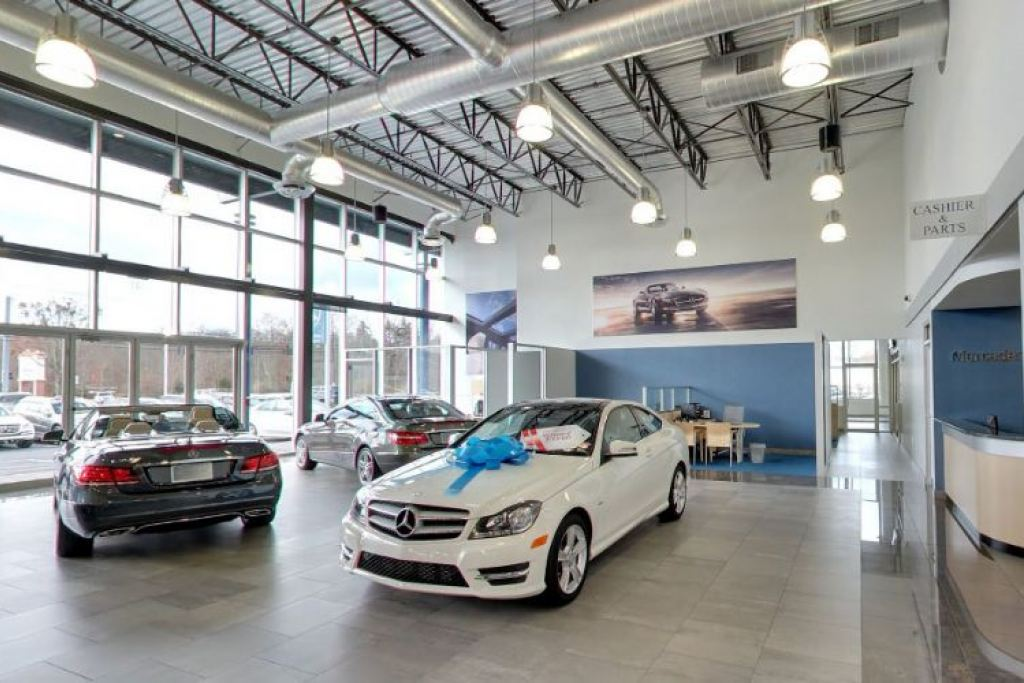 Mercedes benz of huntington for Mercedes benz dealers in long island ny